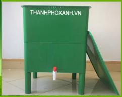 Thùng nuôi trùn quế xử lý rác tại nhà.